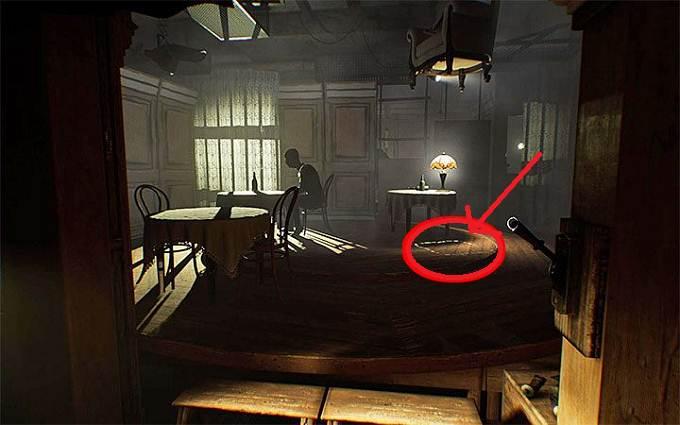 Layers of Fear 2 Guide Casse-tête des chaises suspendues dans Acte 1 - Le désamarrage