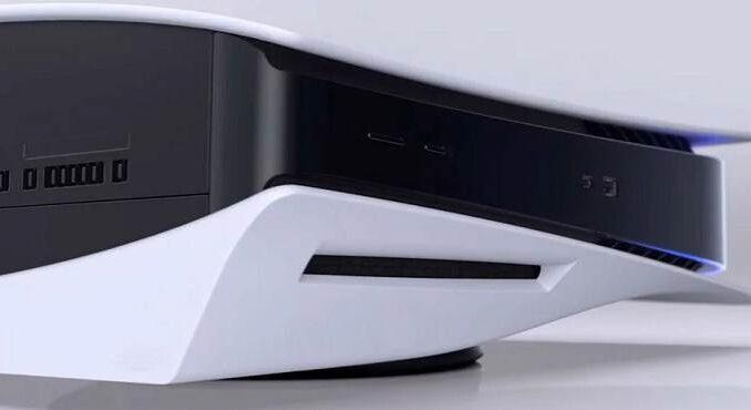 la PS5 / PlayStation 5 dans toute sa grande et lourde gloire